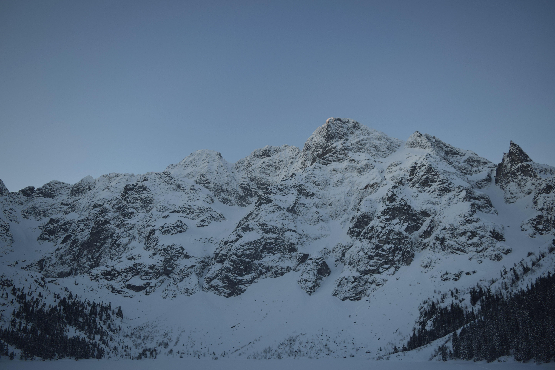 Gratis lagerfoto af bakke, bjerg, bjerge, bjergtinde