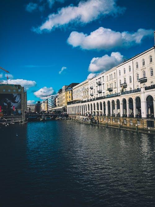 Безкоштовне стокове фото на тему «архітектура, будівлі, вода, водотоку»
