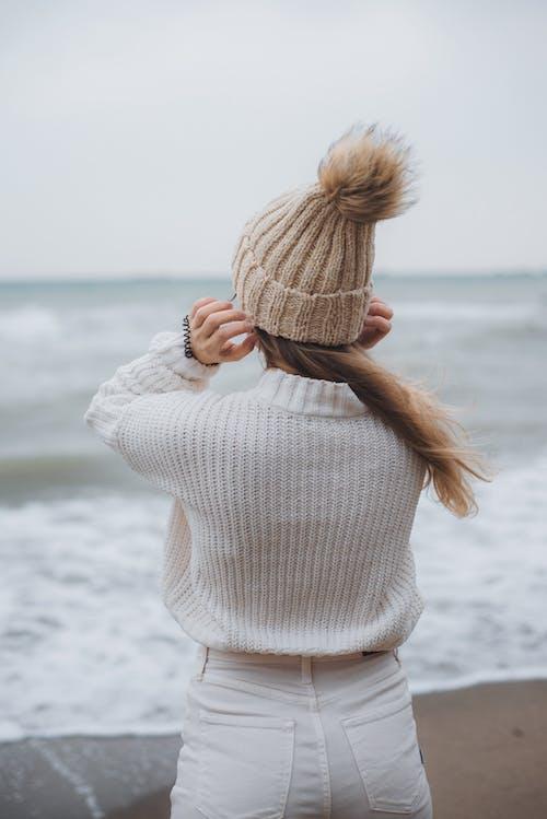 Δωρεάν στοκ φωτογραφιών με ακτή, άμμος, γυναίκα