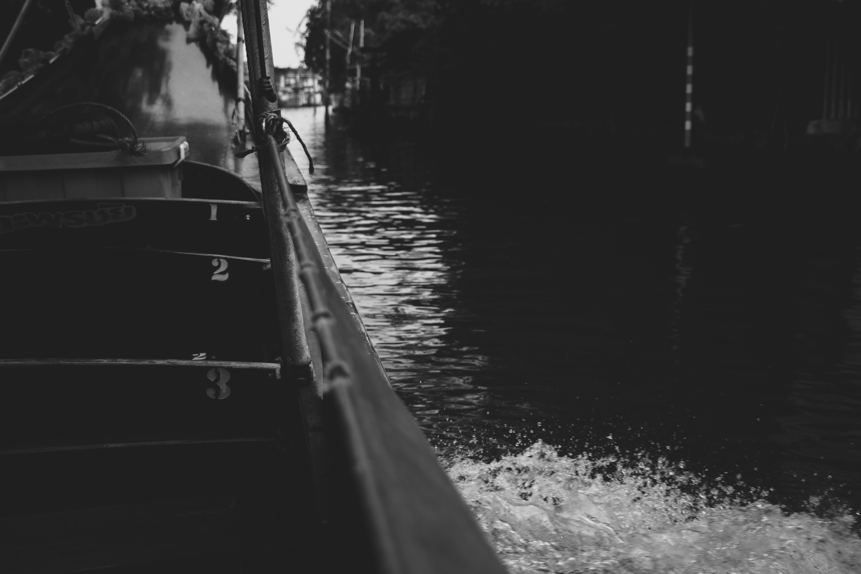 คลังภาพถ่ายฟรี ของ การพายเรือ, ดาดฟ้าเรือ, บ้านเรือ, เรือ