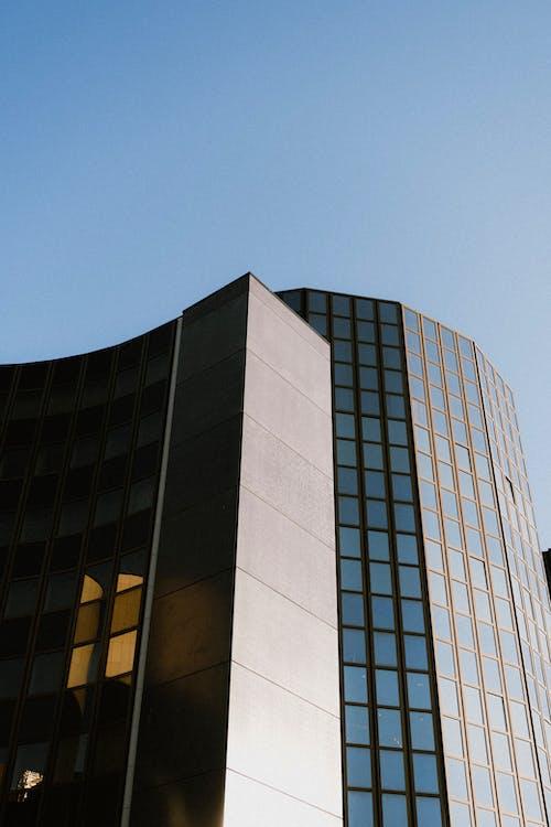 Ilmainen kuvapankkikuva tunnisteilla alhainen kulma, arkkitehtuuri, kaupungit