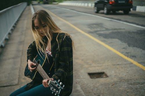 人, 吉他, 城市 的 免费素材图片