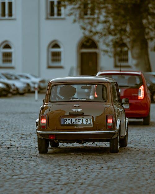 Δωρεάν στοκ φωτογραφιών με vintage αυτοκίνητο, αντίκα, αρχιτεκτονική