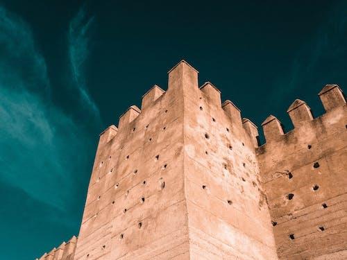 Foto d'estoc gratuïta de arquitectura, castell, edifici, foto amb angle baix