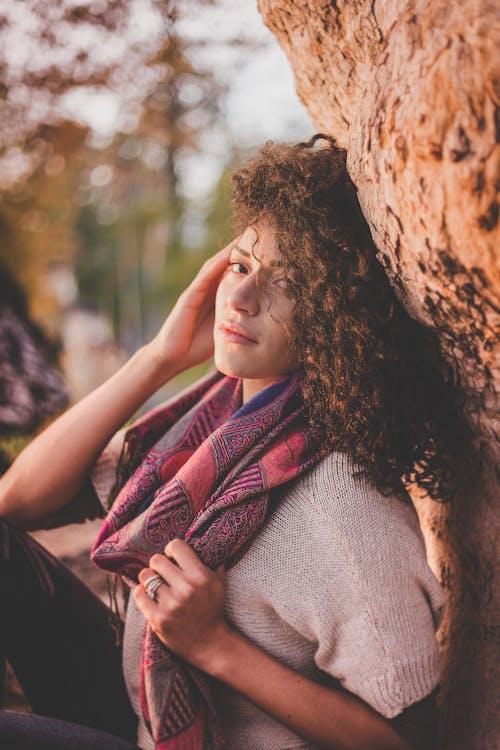 Fotos de stock gratuitas de belleza, bonito, bufanda, desgaste