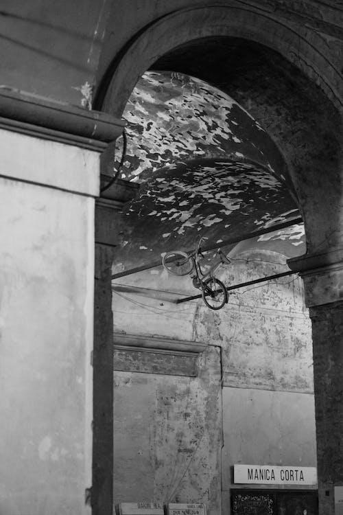 Free stock photo of bike, blackandwhite, citylight