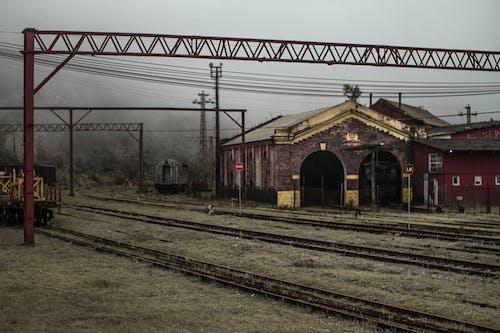 Foto d'estoc gratuïta de boira, manteniment, vies del tren