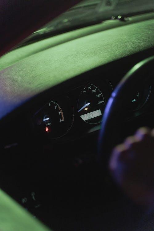 교통, 대시보드, 밤의 무료 스톡 사진