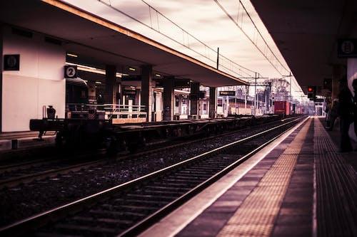 Foto stok gratis awan, baja, bepergian, jalur kereta api
