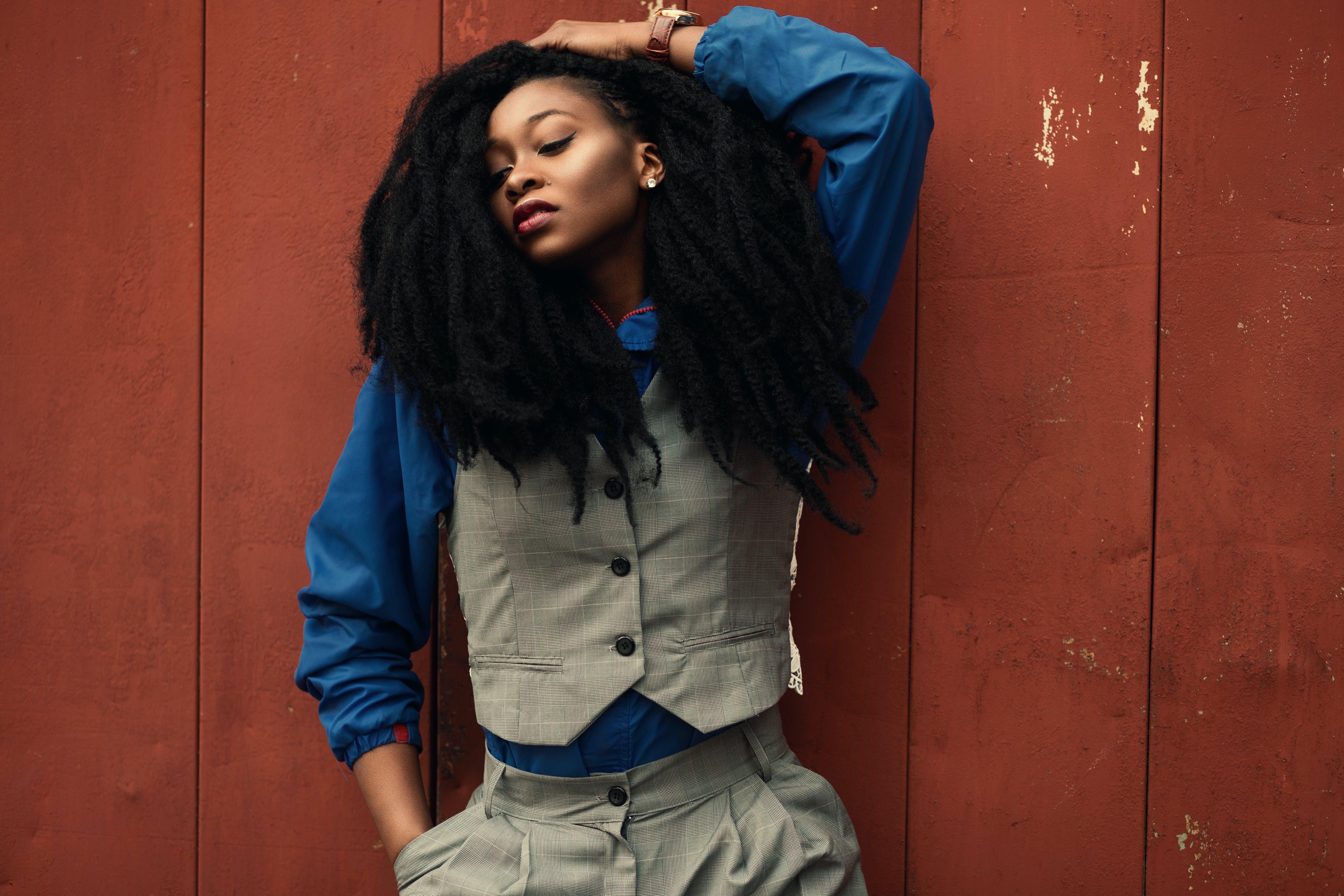 Gratis lagerfoto af afroamerikansk kvinde, blå, dame, fashionabel