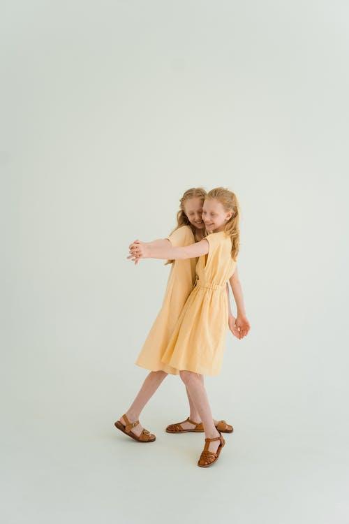 Fotos de stock gratuitas de alegre, bailando, copy space