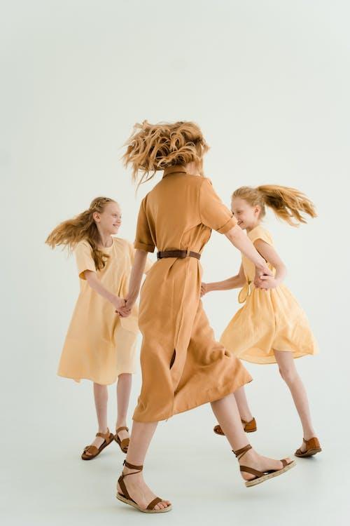 Photos gratuites de amusement, content, danser