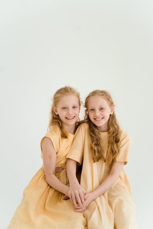 Fotobanka sbezplatnými fotkami na tému byť spolu, deti, detstvo