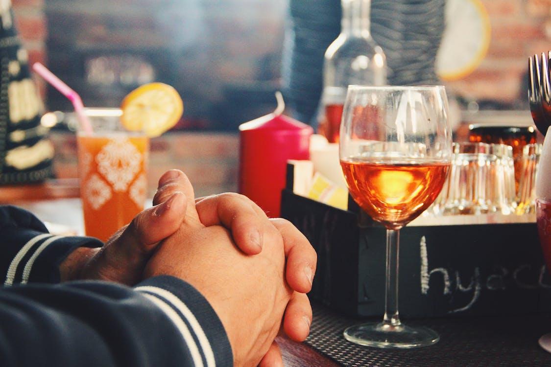 alkoholhaltig dryck, bar, champagne
