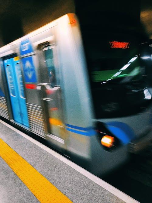 Foto profissional grátis de brasil, metrô, pandemia