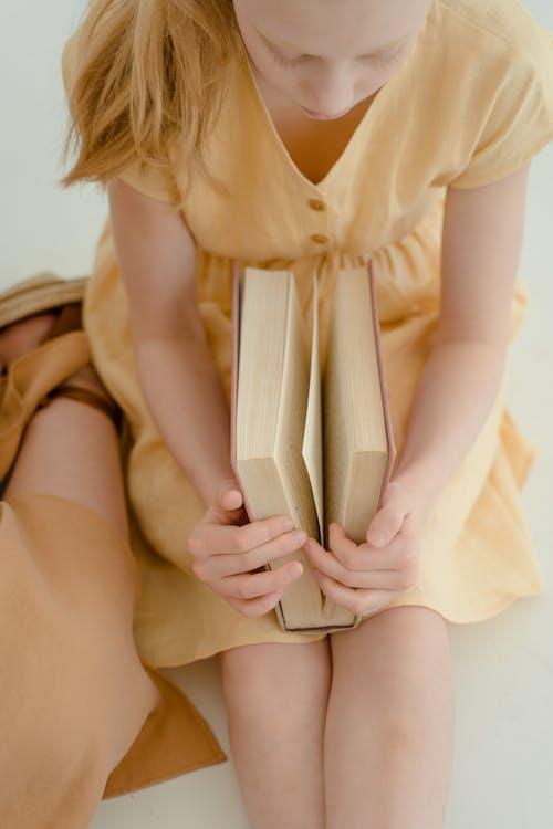 Fotobanka sbezplatnými fotkami na tému čítanie, detstvo, dieťa