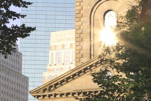 城市, 教會, 早晨的太陽, 闪光 的 免费素材照片