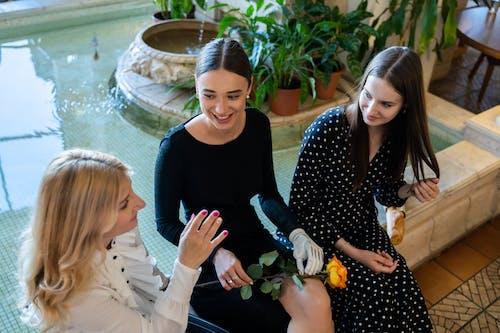 Бесплатное стоковое фото с бизнес-леди, бионический, близость