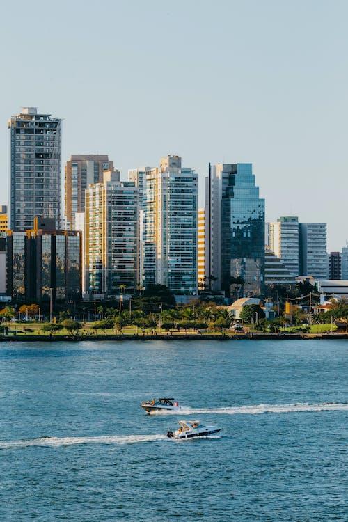 Photos gratuites de architecture, bateaux, ciel clair