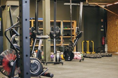 ağır, ağırlık, ağırlık kaldırma içeren Ücretsiz stok fotoğraf