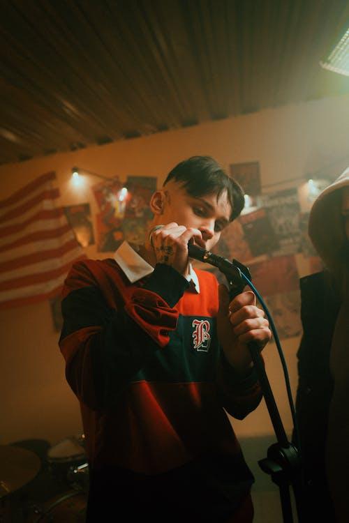가수, 검은 머리, 경사의 무료 스톡 사진