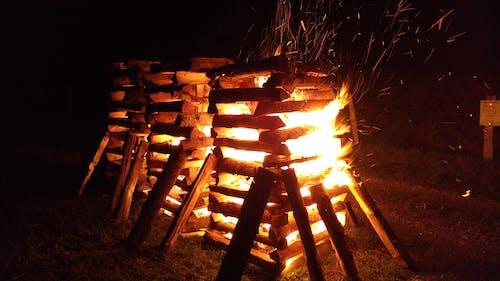Fotos de stock gratuitas de brillante, fuego, madera, noche