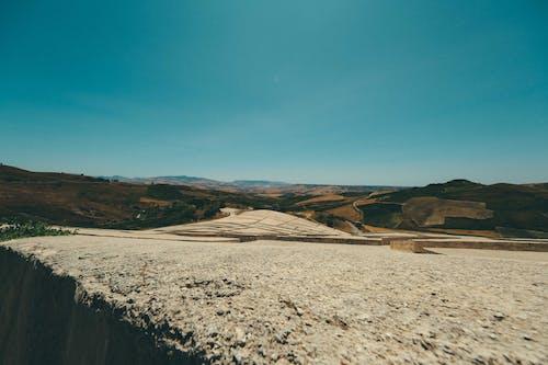 Δωρεάν στοκ φωτογραφιών με rock, ακτή, αμμόλοφος