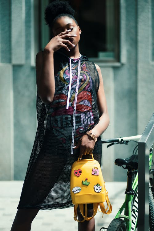 Ingyenes stockfotó afro-amerikai nő, arc, bicikli, divat témában