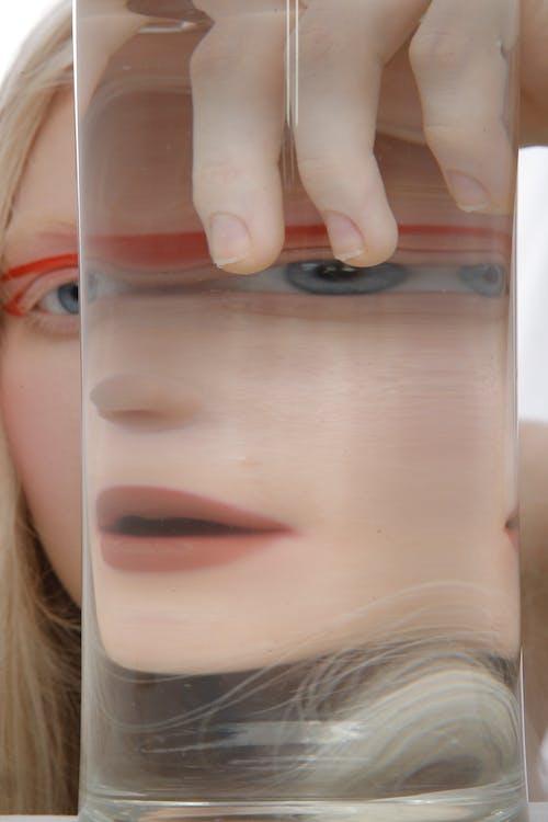 Δωρεάν στοκ φωτογραφιών με ανθρώπινο δάχτυλο, ανθρώπινο καρφί, ανθρώπινο μάτι