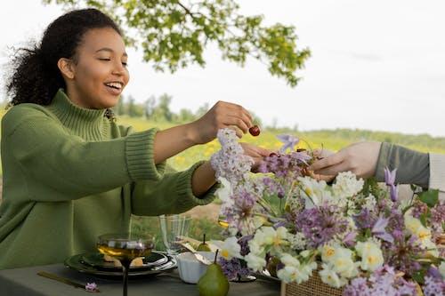 açık hava, ağaç, akşam yemeği içeren Ücretsiz stok fotoğraf