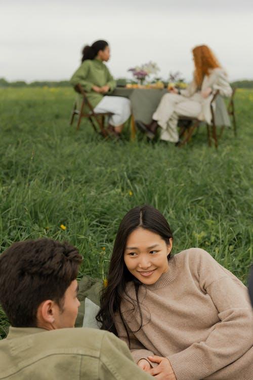 Безкоштовне стокове фото на тему «вечеря, вираз обличчя, відпочинок»