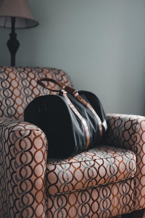Photos gratuites de à l'intérieur, canapé, chaise