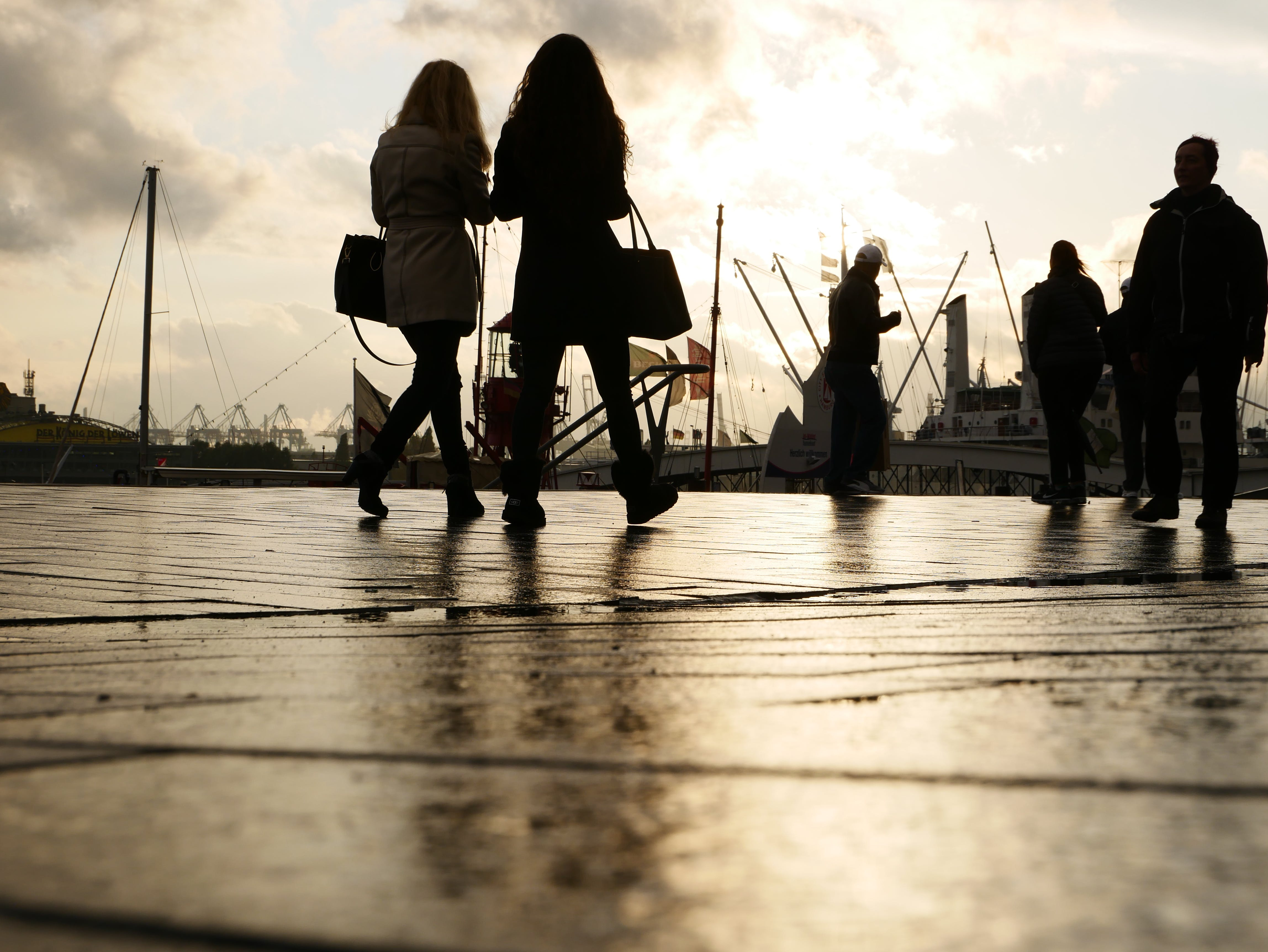 Foto stok gratis formasi awan, Hamburg, jam emas