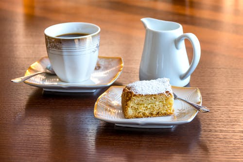 Foto profissional grátis de alimento, aperitivo, bebida, bolo