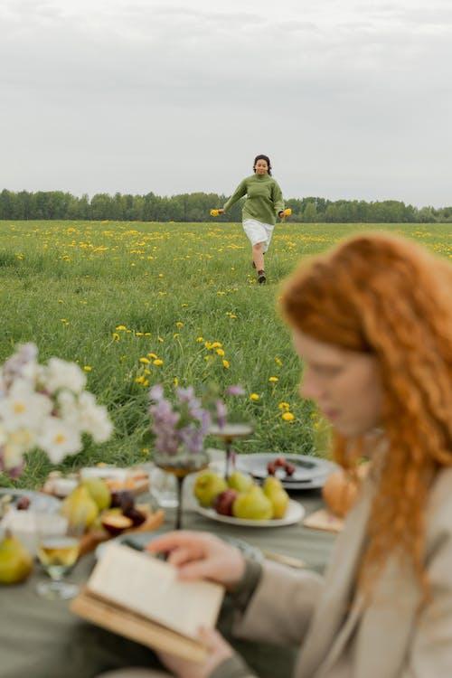 คลังภาพถ่ายฟรี ของ กลางแจ้ง, การวิ่ง, ดอกไม้
