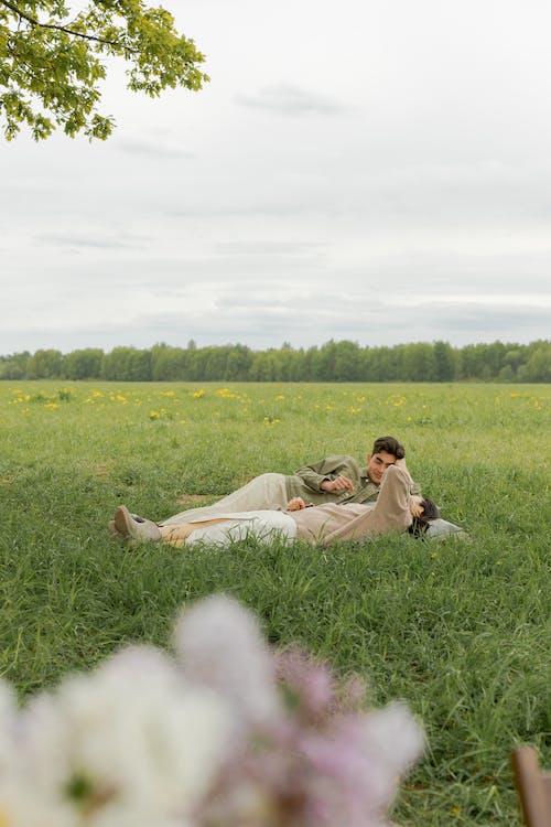 adam, Aşk, buluşma içeren Ücretsiz stok fotoğraf