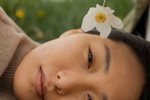 Безкоштовне стокове фото на тему «азіатська жінка, білий, Голова»