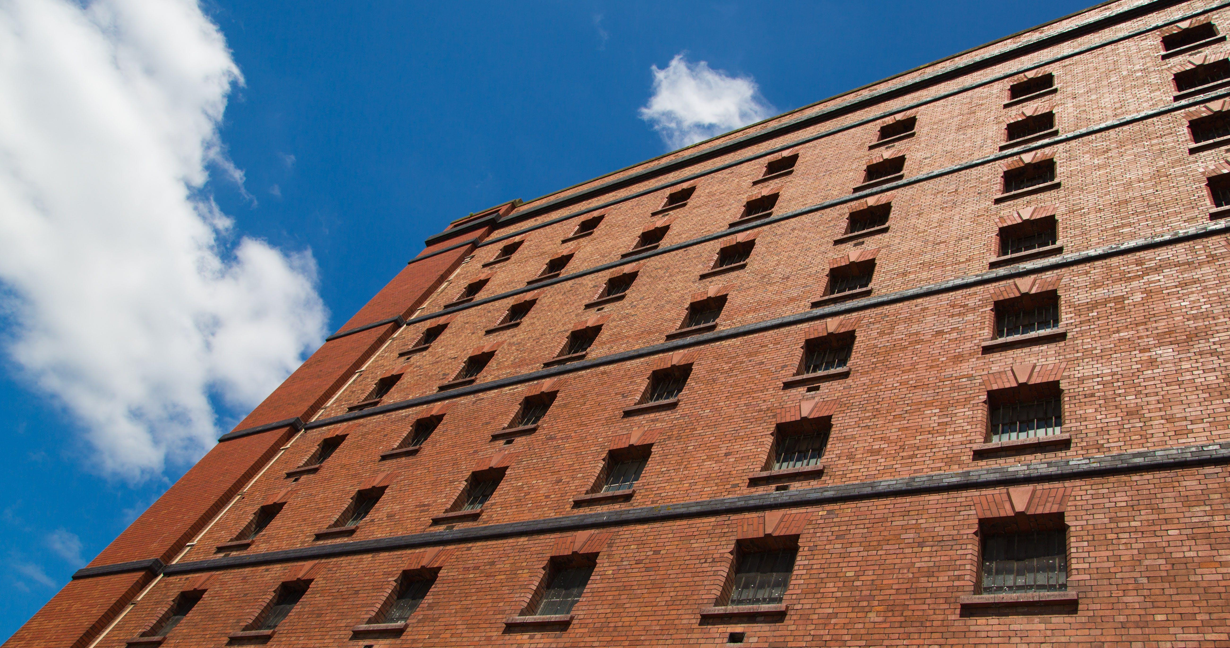 Foto d'estoc gratuïta de abandonat, edifici, edifici antic, magatzem
