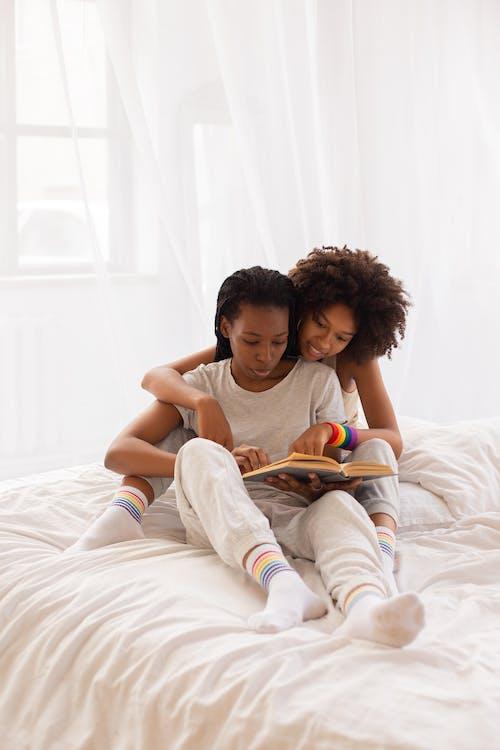 Foto d'estoc gratuïta de afecte, afroamericà, dones de raça negra