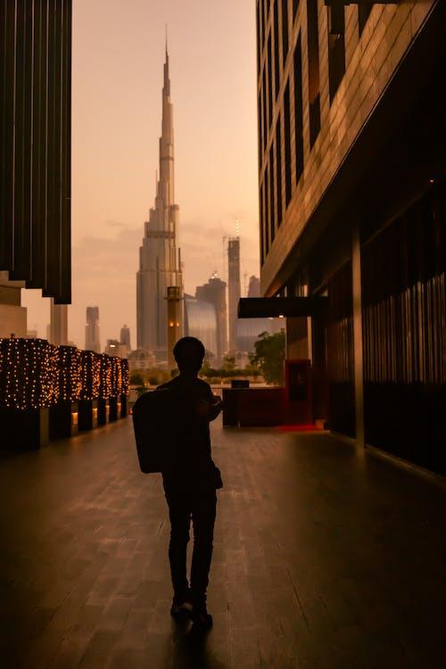 가방, 건물 외장, 고층 건물의 무료 스톡 사진