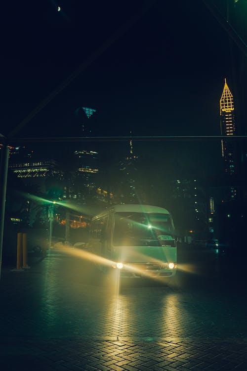 Immagine gratuita di auto, autobus, città