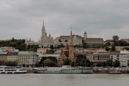 강, 건물 외장, 교회의 무료 스톡 사진