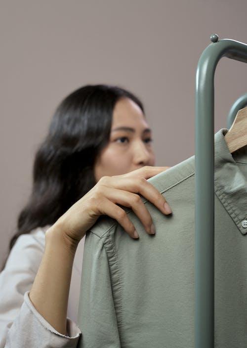 Immagine gratuita di adulto, camicia, donna