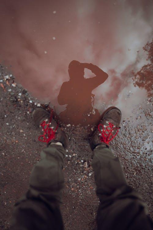 Foto profissional grátis de adidas, água, lama