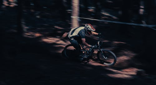 Immagine gratuita di adulto, azione, bicicletta