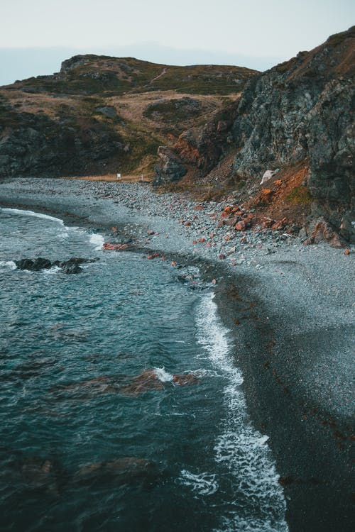 Δωρεάν στοκ φωτογραφιών με rock, άγονος, ακτή