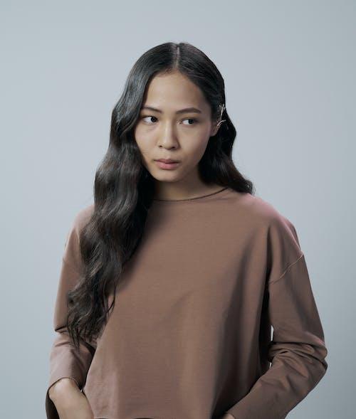 Fotobanka sbezplatnými fotkami na tému Ážijčanka, bruneta, čelný pohľad