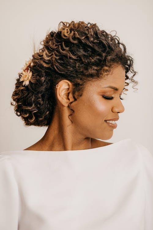 Безкоштовне стокове фото на тему «довге волосся, дорослий, жінка»