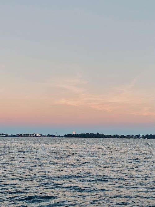 Бесплатное стоковое фото с вечер, вода, закат