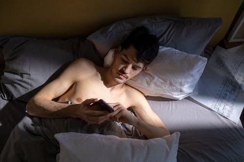 人, 半裸, 室內 的 免費圖庫相片